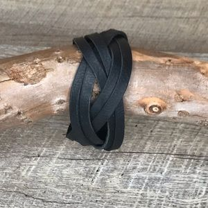 Large Black strappy oil-tanned leather cuff